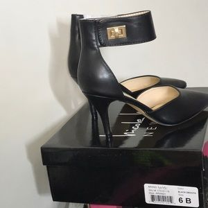 Nicole Miller Shoes - Black heels